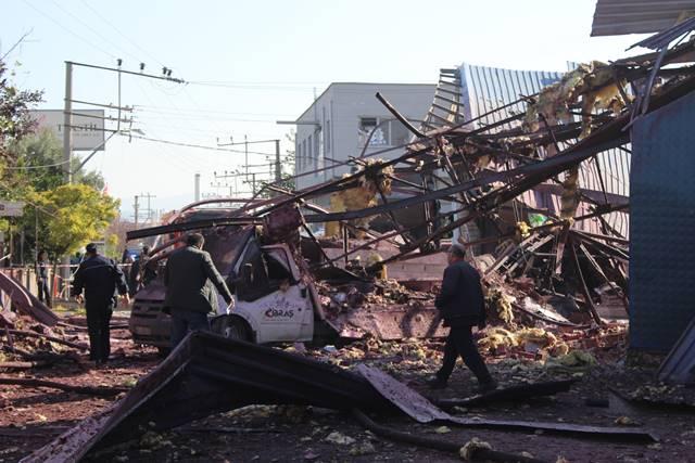 Fabrikada Patlama Oldu 4 İşçi Hayatını Kaybetti 5 İşçi Yaralandı