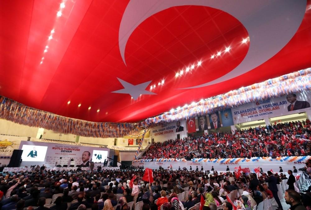 Cumhurbaşkanı Erdoğan'dan Van Büyükşehir Belediyesine övgü