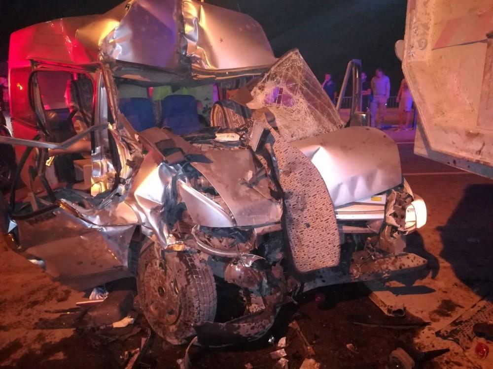 Nöbetten dönen güvenlik görevlileri kaza yaptı: 1 ölü, 1 yaralı