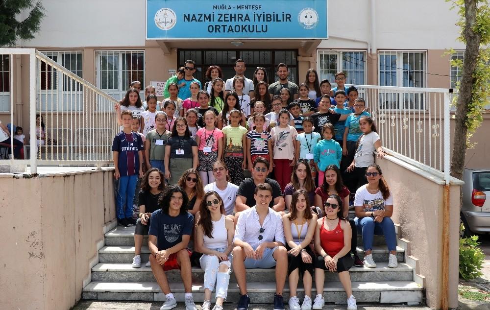 Koç Okulu Nazmi Zehra İyibilir Ortaokulu ile buluştu