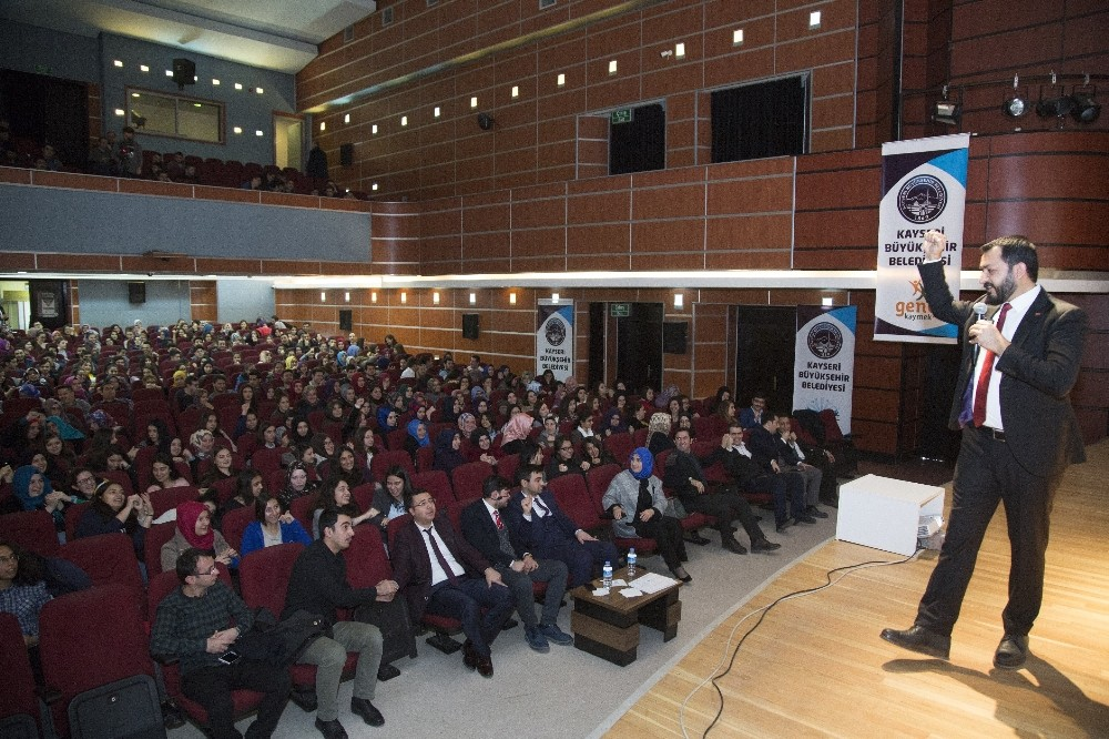 KAYMEK'ten sosyal medya semineri