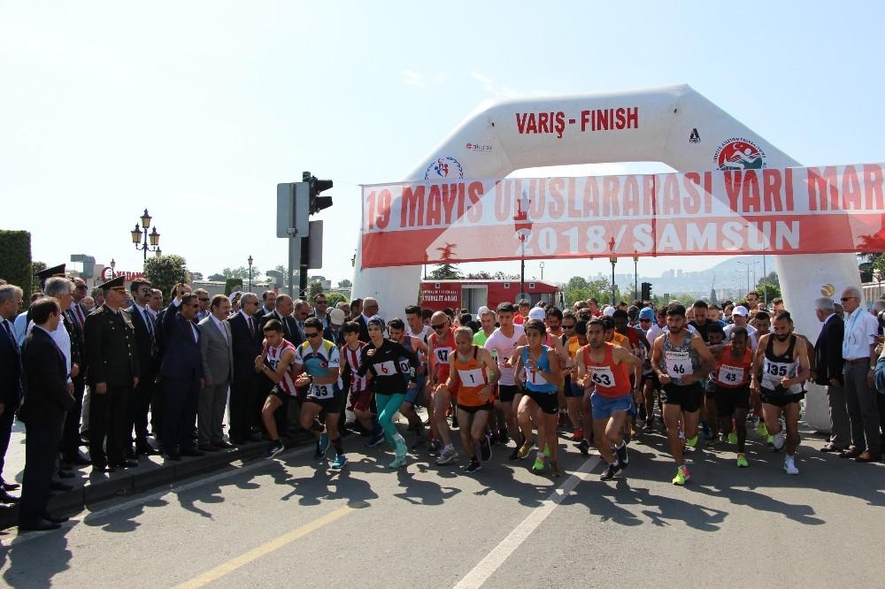 19 Mayıs Uluslararası Yarı Maratonu koşuldu