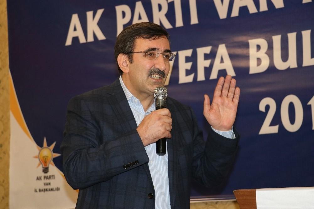 AK Parti'li Yılmaz: ″Vesayetçi yapıyı karşımızda görmek istemiyoruz″