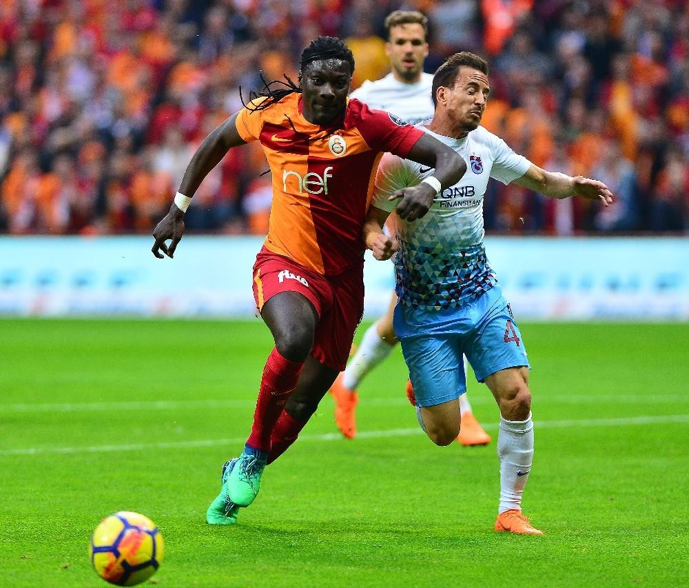 Spor Toto Süper Lig: Galatasaray: 1 - Trabzonspor: 0 (İlk yarı)