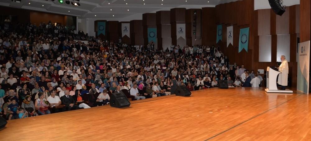 Uludağ Üniversitesi'nde diploma törenleri başladı