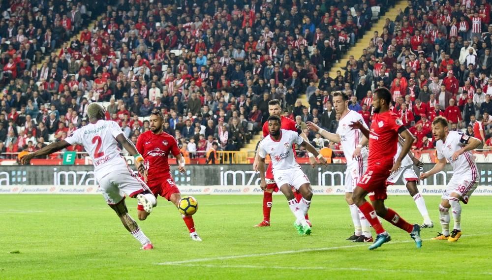 Antalyaspor bir sezonda 20 puan eksildi