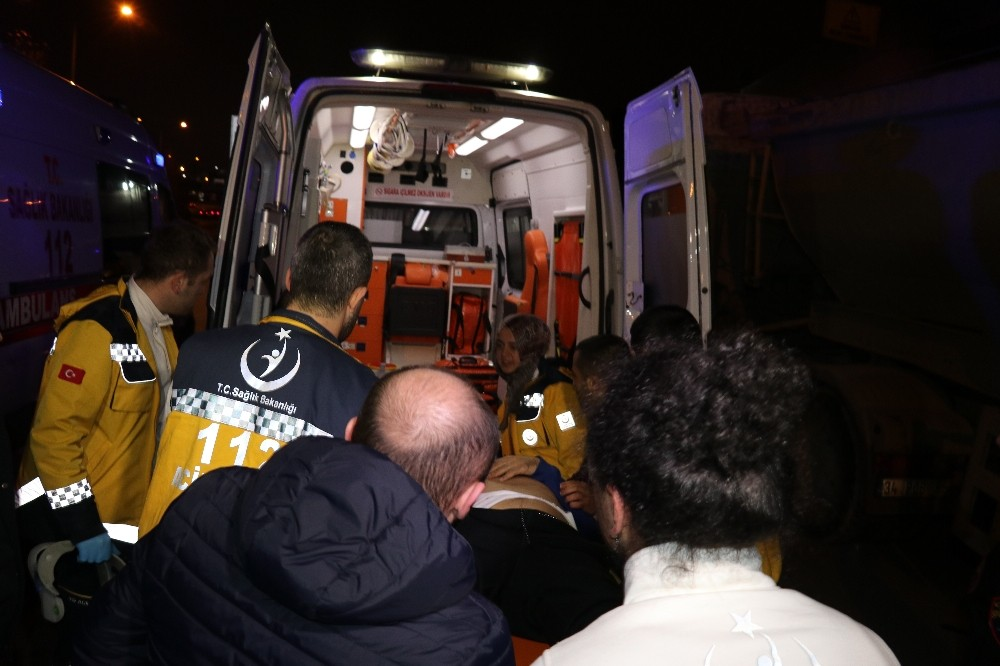 Beyoğlu'nda kaza; 2 yaralı