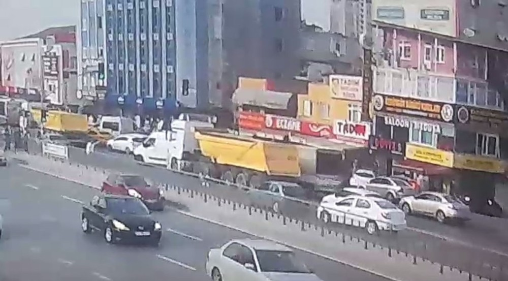 Küçükçekmece'de hafriyat kamyonu dehşeti