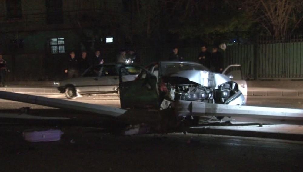 Başkent'te aynı noktada çifte trafik kazası: 4 yaralı