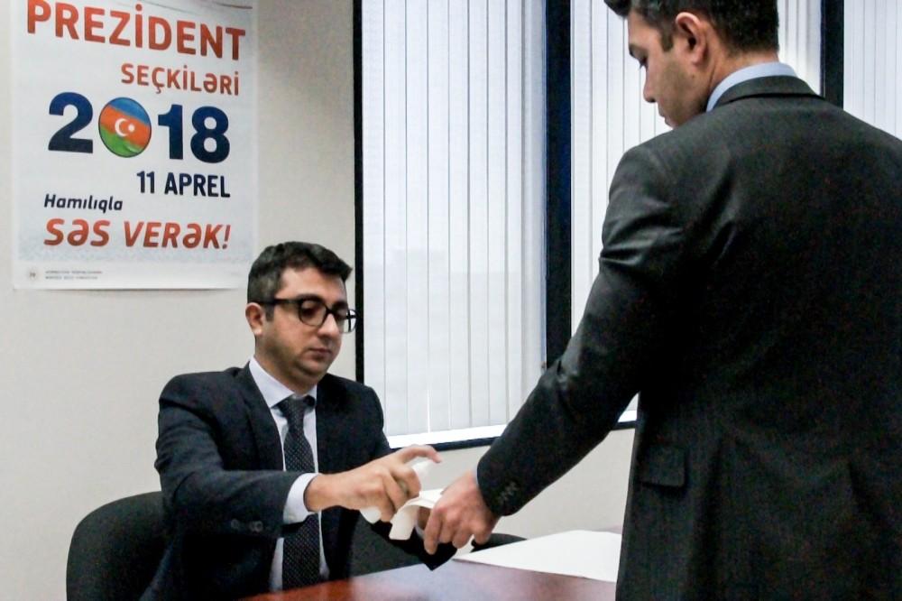 Azerbaycan Cumhurbaşkanlığı Seçimlerinde oy verme işlemi Los Angeles Başkonsolosluğu'nda başladı