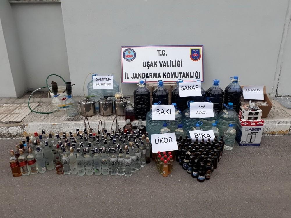 Uşak'ta kaçak içki imalathanesine operasyon