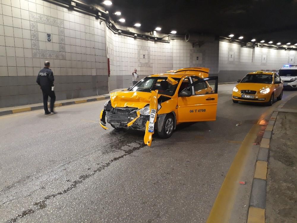Dalgın sürücü tünele tersten girince kaza kaçınılmaz oldu