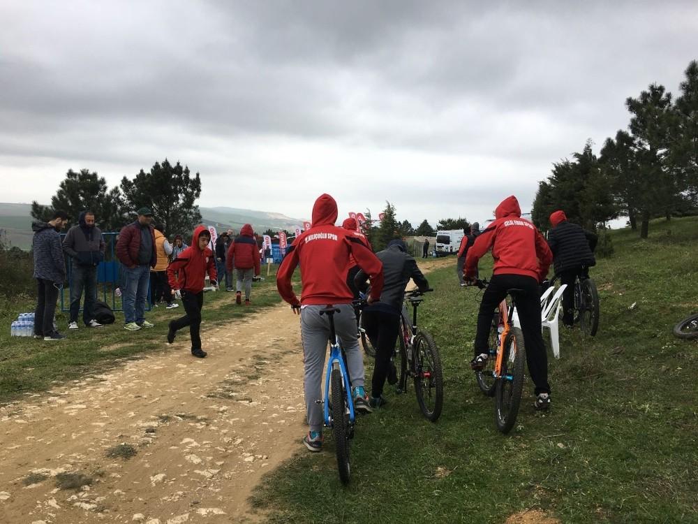Büyükçekmece'de Dağ Bisikleti Yarışları yapıldı