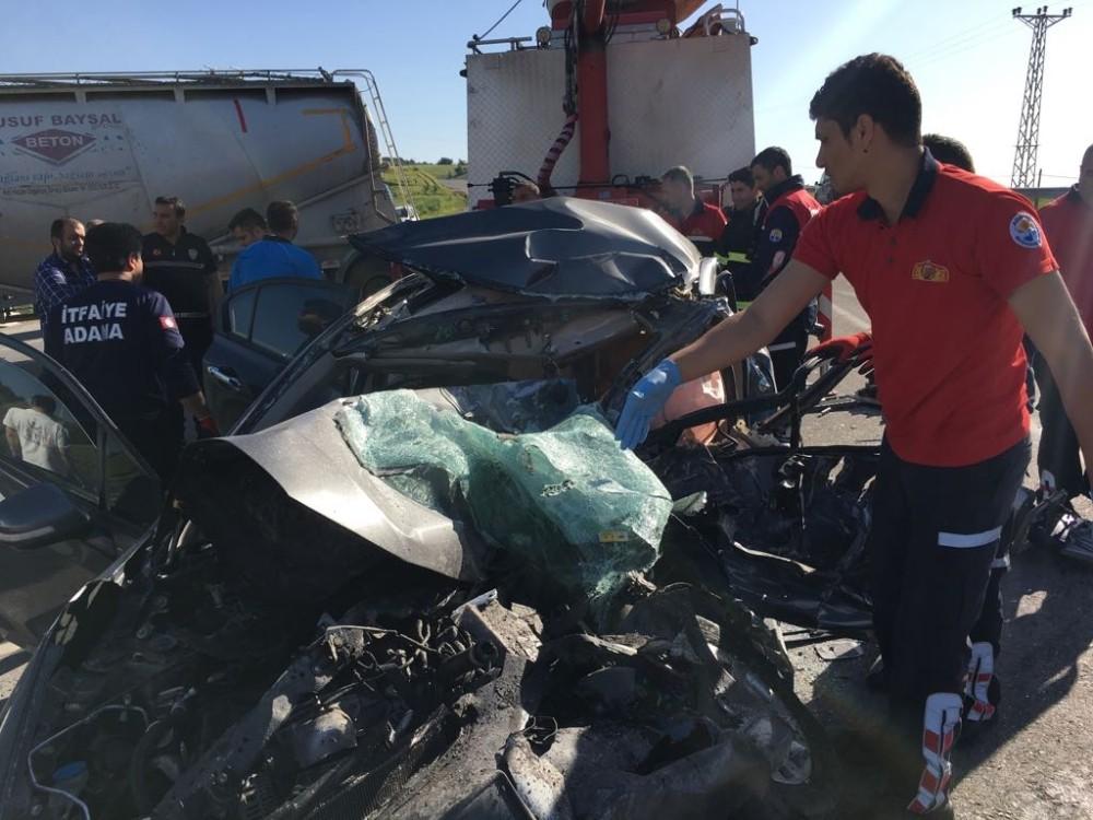 Adana'da tır ve otomobil çarpıştı: 1 ölü, 1 yaralı