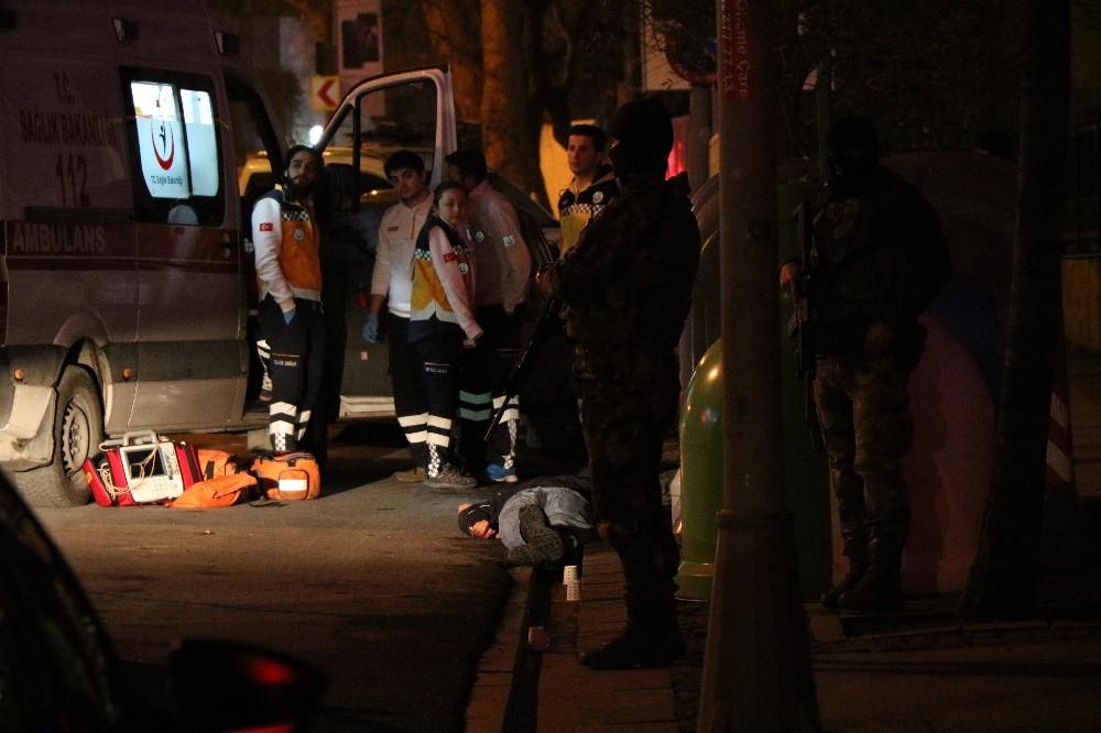Beşiktaş'ta gece kulübü önünde silahlı kavga... 1 ölü çok sayıda yaralı var