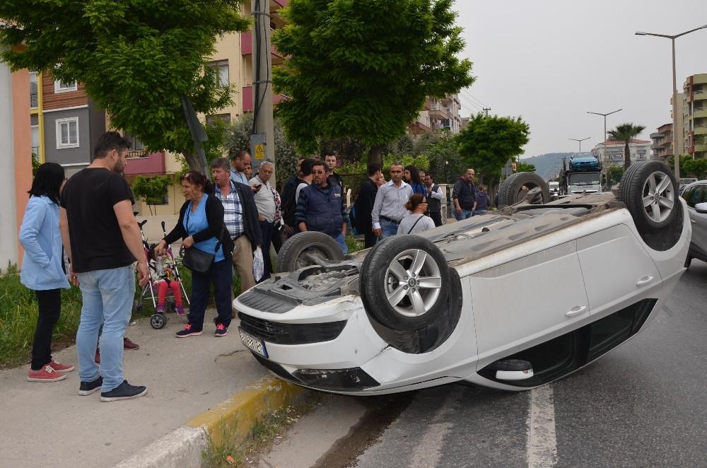 Anne ve kızı kazayı ucuz atlattı