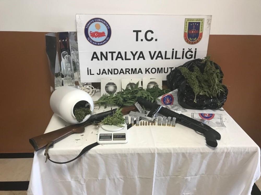 Antalya'da uyuşturucu operasyonu: 17 gözaltı