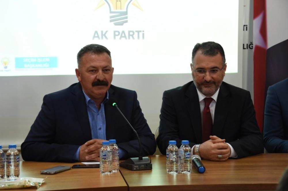 AK Parti seçimlere sıkı hazırlanıyor