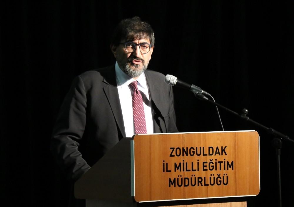 Milli Eğitim Bakanlığı Talim Terbiye Kurulu Başkanı Alpaslan Durmuş;
