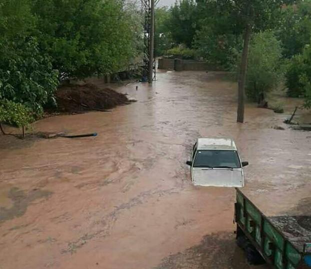 Besni'nin iki köyünü su bastı