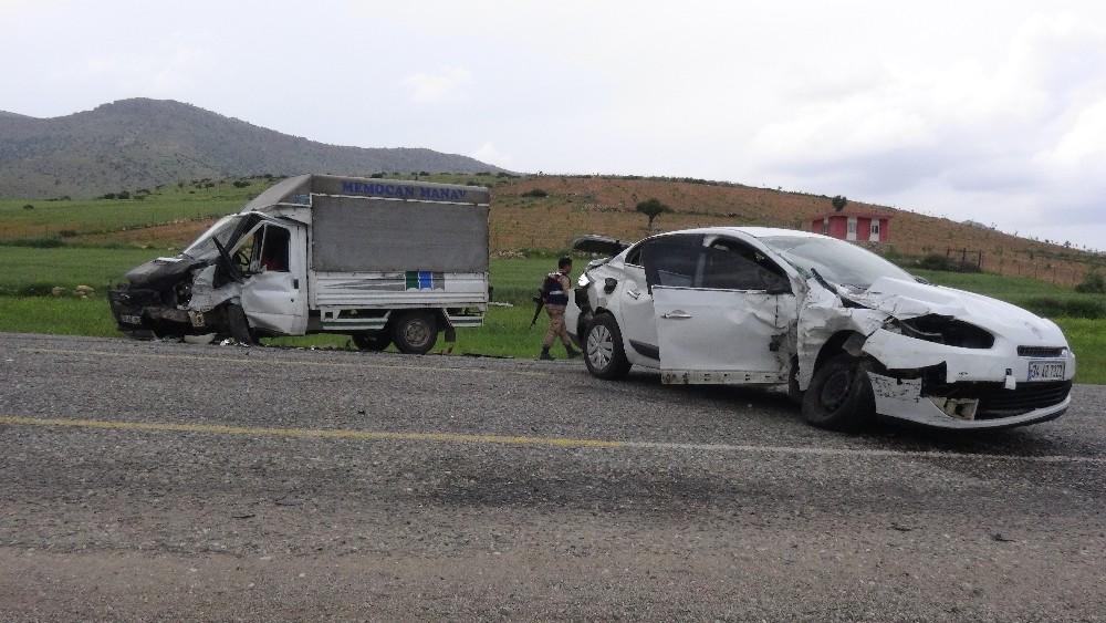 Gercüş'te trafik kazası: 4 yaralı