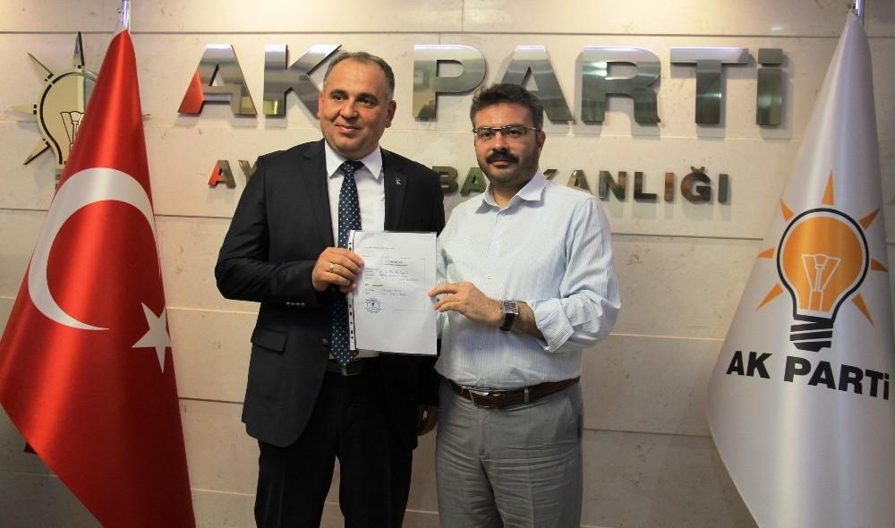 Prof. Dr. Mustafa Oğurlu, AK Parti'ye gönül verenlerden 1 kişiyi daha ikna etmelerini isteyerek yola çıktı