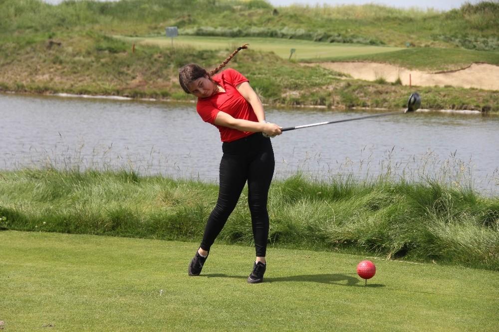 Aslı Nemutlu Türkiye Gençler Golf Şampiyonası başladı