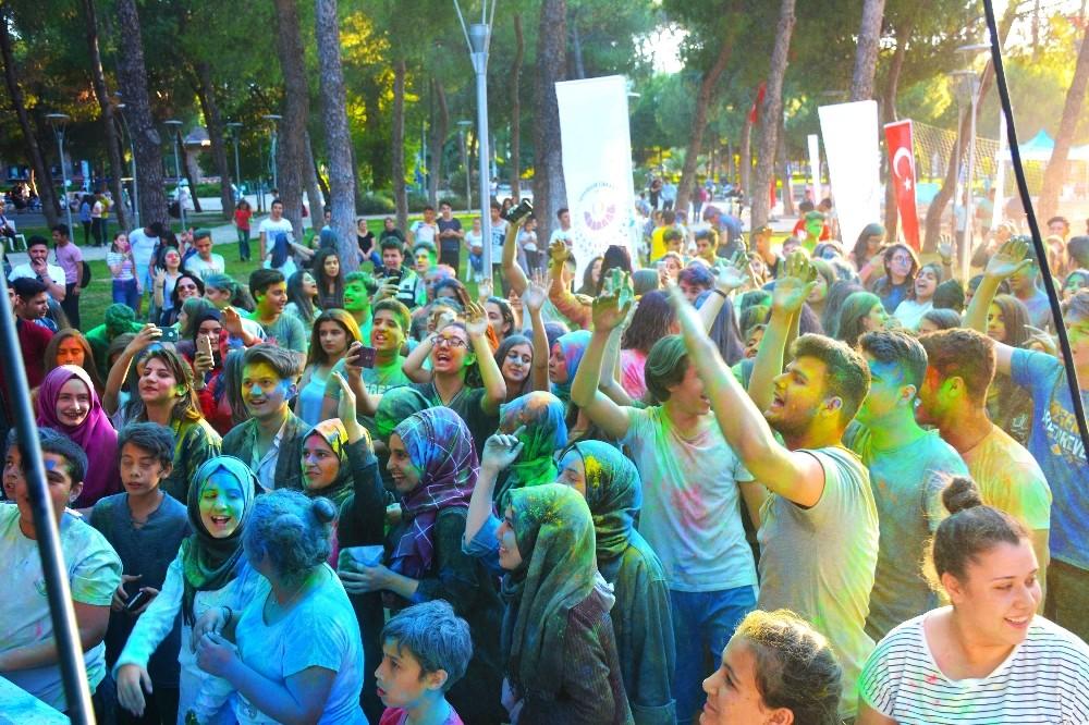 Torbalı Gençlik Festivali Renkli Görüntülerle başladı.!