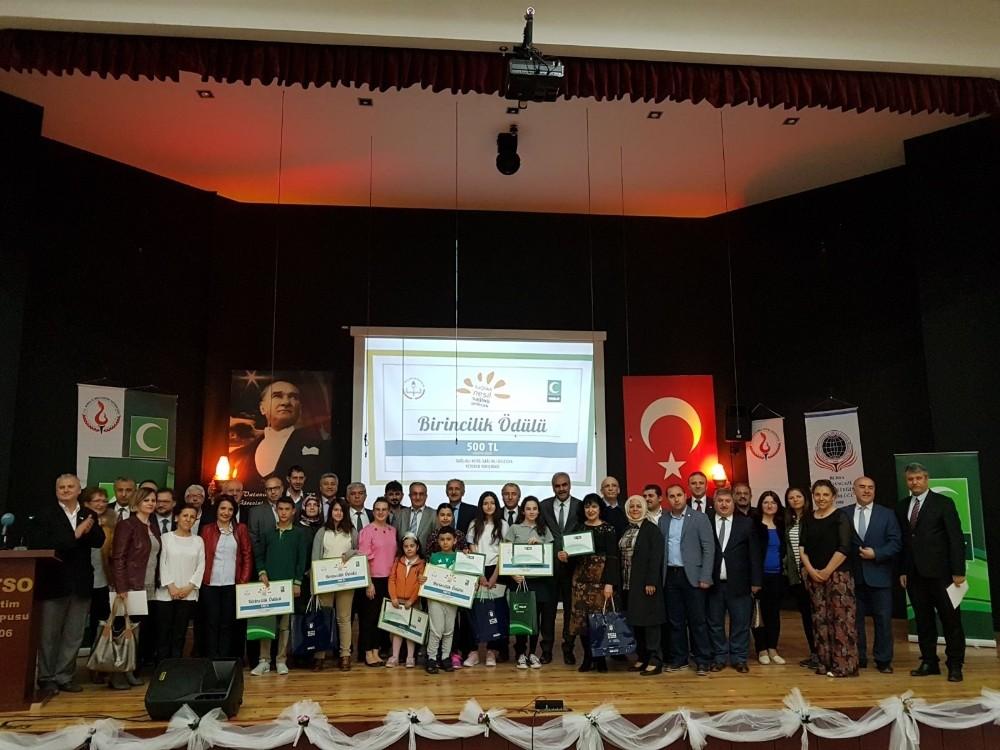 'Sağlıklı Nesil, Sağlıklı Gelecek' yarışmasında birinci olan öğrenciler ödüllendirildi