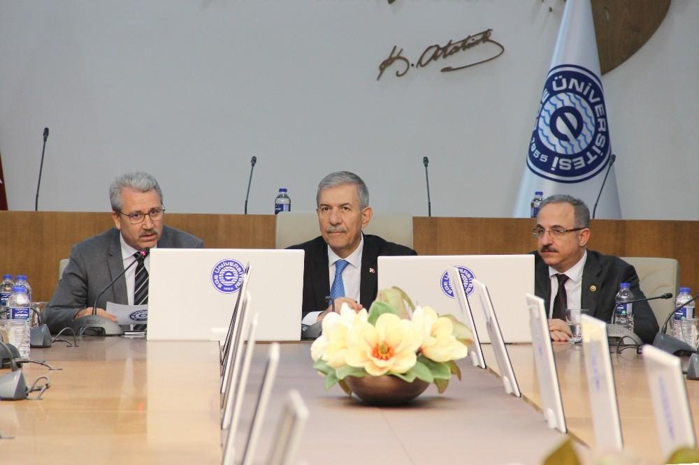 Sağlık Bakanı Demircan'dan Ege Üniversitesine ziyaret