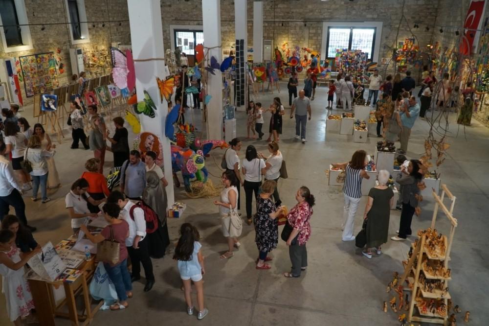 Öğrencilerden yıl sonu sanat sergisi