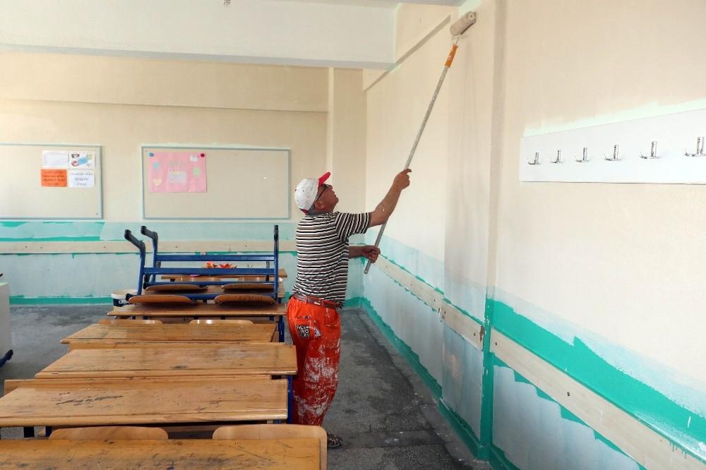 Okullar için acil onarım ekibi