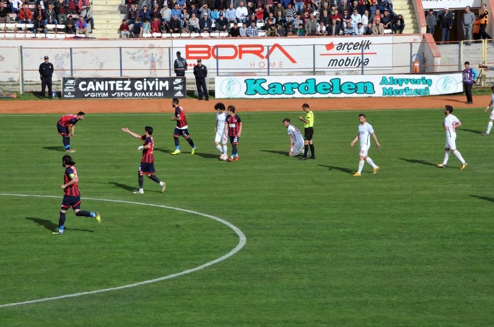 TFF 2. Lig: Niğde Belediyespor: 0 - Gümüşhanespor: 1