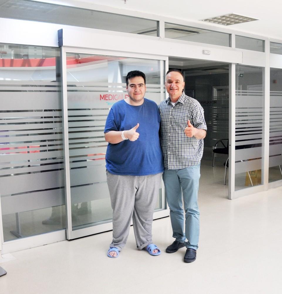 Obezite hastalığına asansör fobisi eklenince tüp mide ameliyatı oldu
