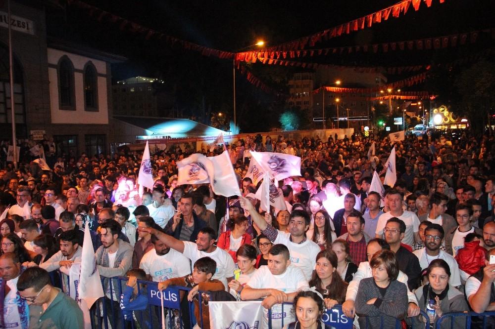 Süper Lig'e yükselen Afyon Belediyespor Basketbol takımı şampiyonluğu kutladı