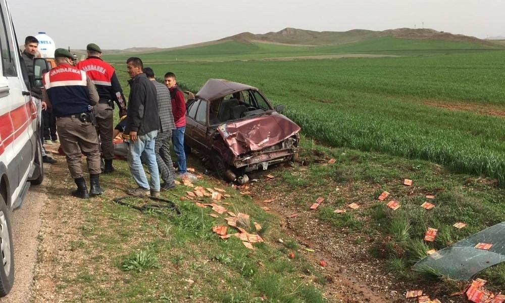 Lastiği patlayan otomobil takla attı : 5 yaralı
