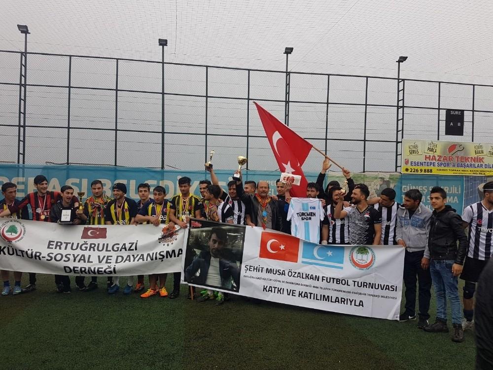 Türkmen turnuvasında dostluk kazandı