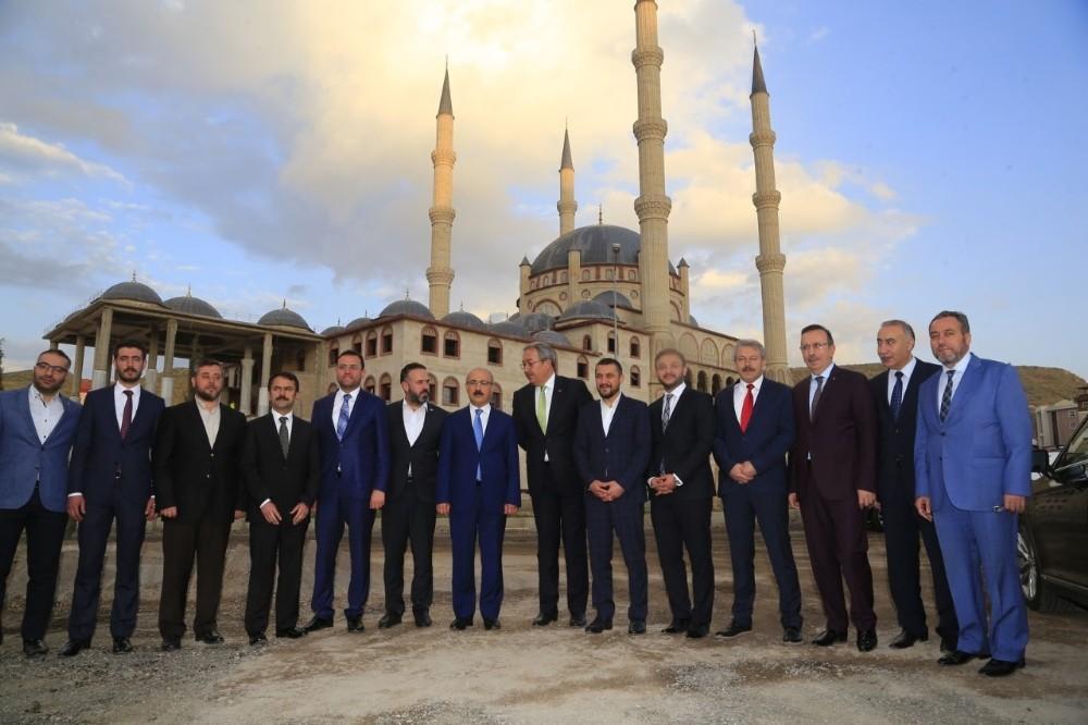 Kalkınma Bakanı Elvan, Nevşehir Külliyesini ziyaret etti