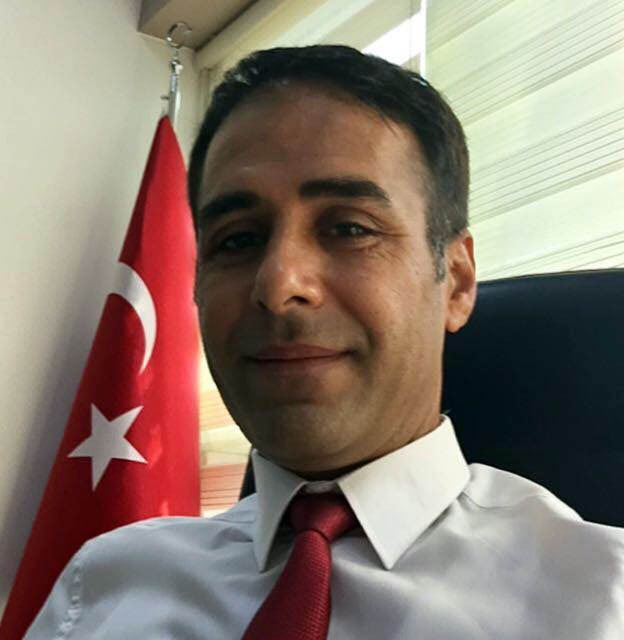 Manisa'da Daire Başkanı otomobilinde intihar etti