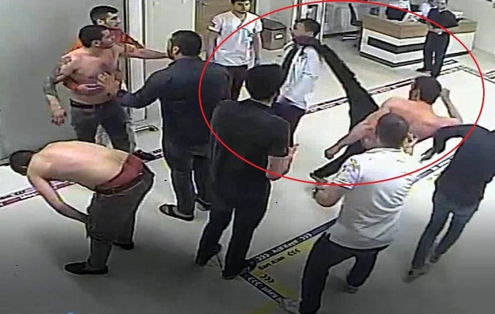 Hastaneden 'doktora tekme' açıklaması: ″Tekme şakağından sekmese doktorumuz ölebilirdi″