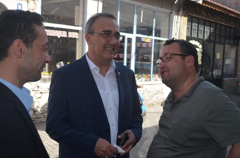 Gökhan Karaçoban esnafla kucaklaştı