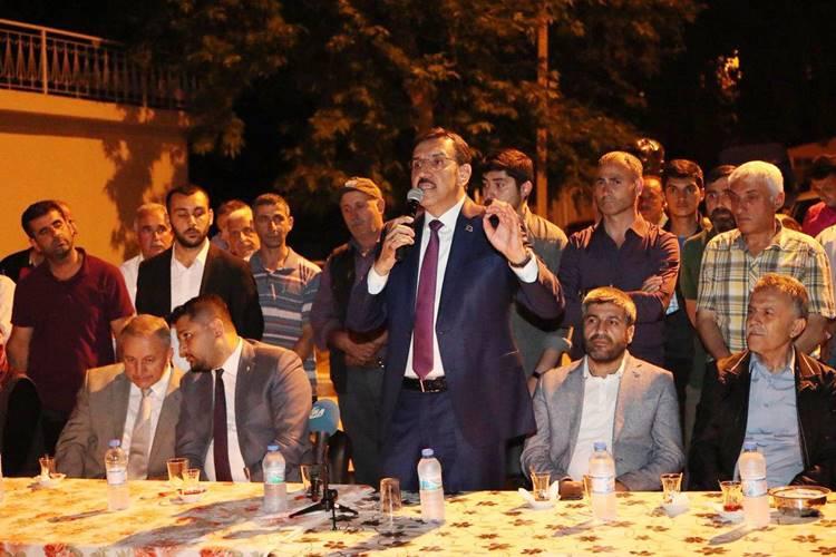 Bakan Tüfekci; 'Türkiye büyüdüğü için bir milyona yakın taşeronu kadroya aldık'