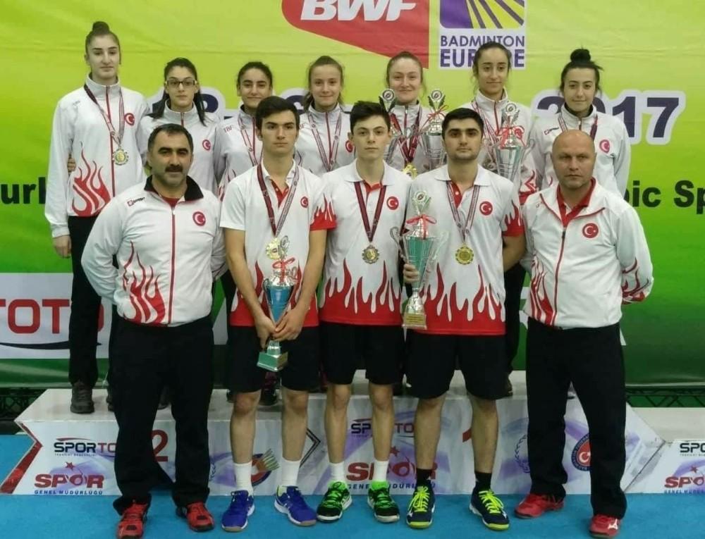 Balkan Şampiyonası için Yunanistan'a gittiler