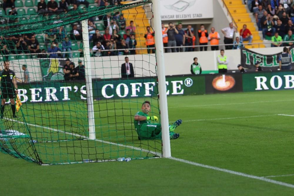 Akhisarspor, penaltı kaçırdı