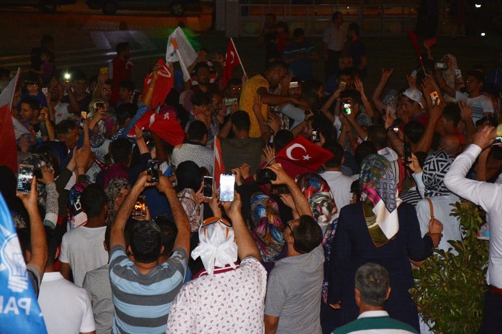 Malatya'da seçim kutlaması