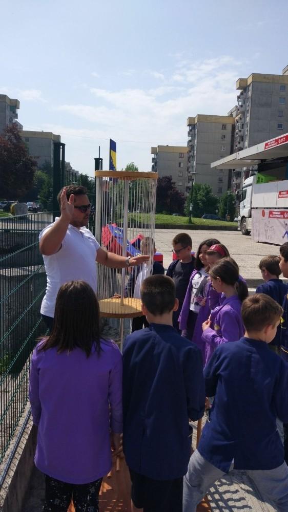 Mobil Matematik Müzesi Saraybosna'da öğrencilerle buluştu