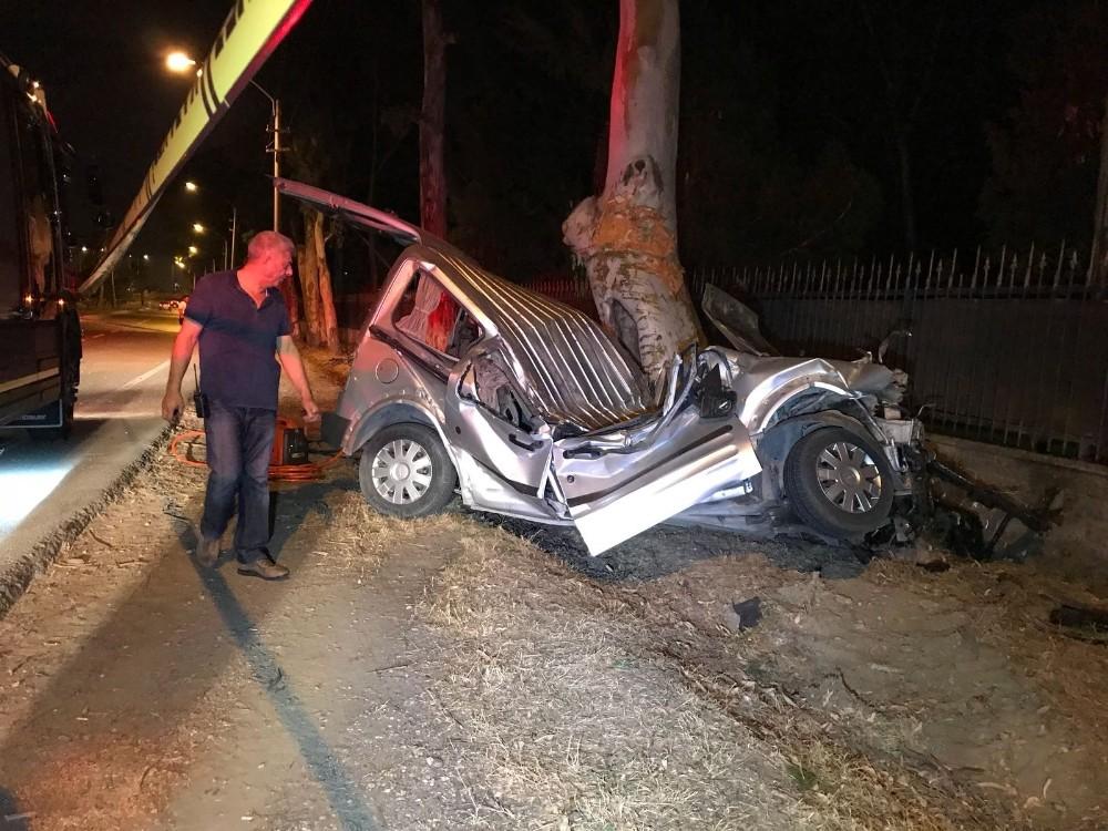 Kontrolden çıkan araç iki bisiklet sürücüsüne çarptı: 1 ölü, 2 yaralı