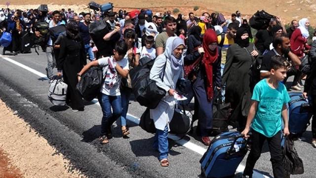 İdlib'ten Türkiye'ye Göç Dalgası Başladı