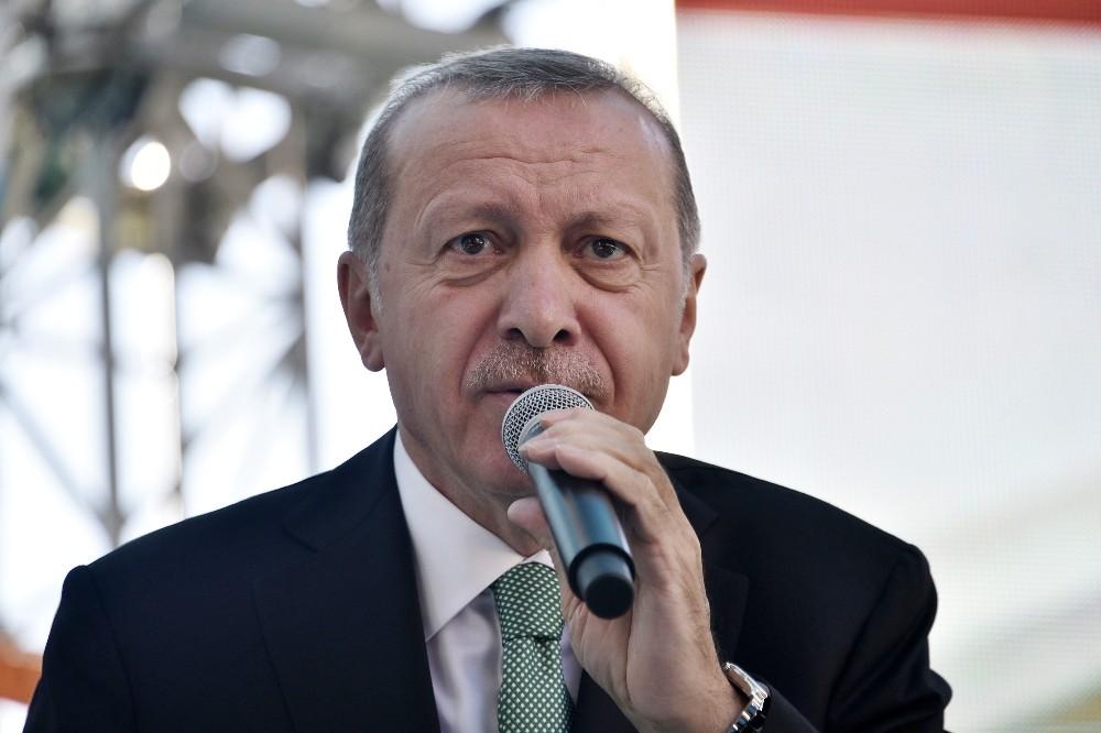 "Cumhurbaşkanı Erdoğan: ""Neymiş, dövizmiş, neymiş kurmuş, geçin o işi geçin"""