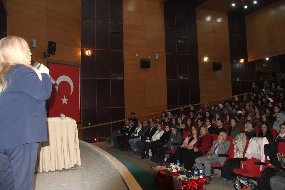 Hakkari'de 'kadın ve toplum' semineri